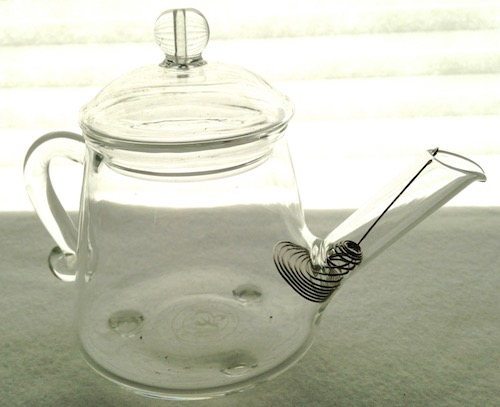 small-glass-teapot-wire-spout